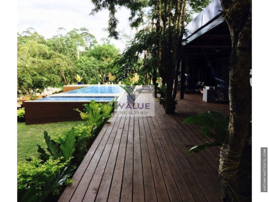 vendo lujosa casa en rio dulce