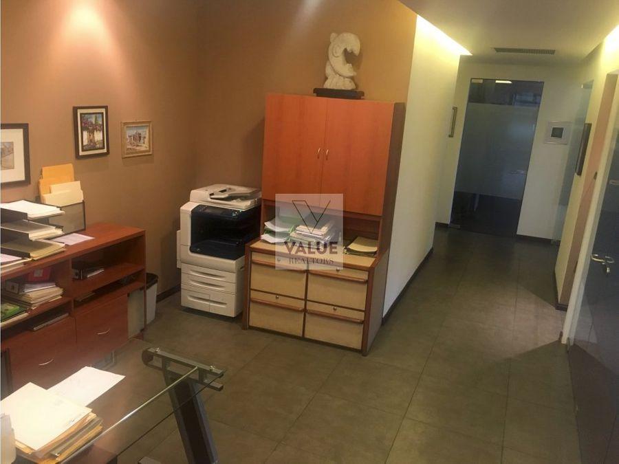 venta o renta oficina 580m2 de lujo en edif z10