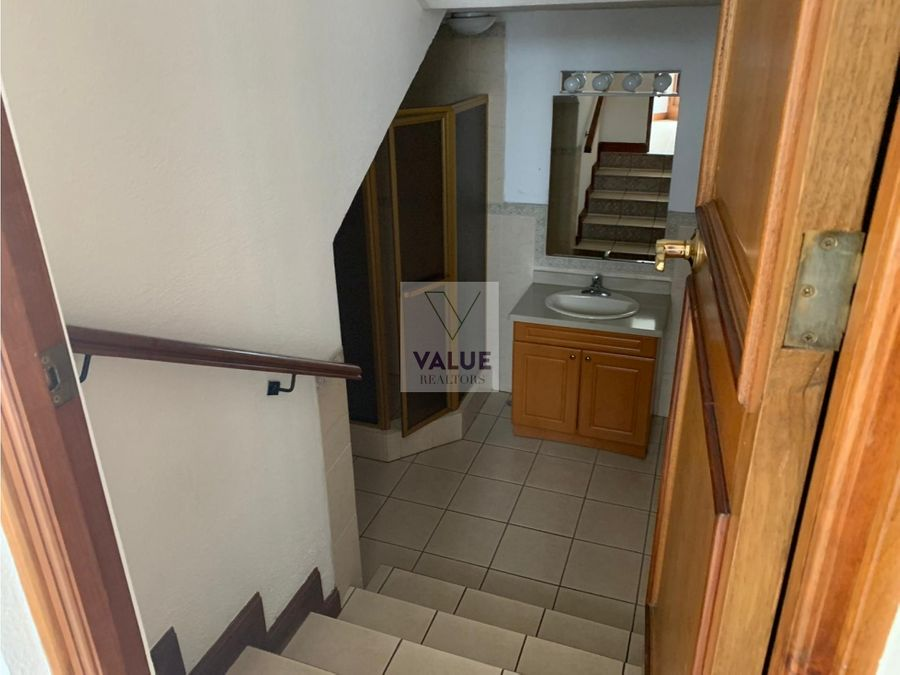 renta casa en vh z15 3 dormitorios con garita