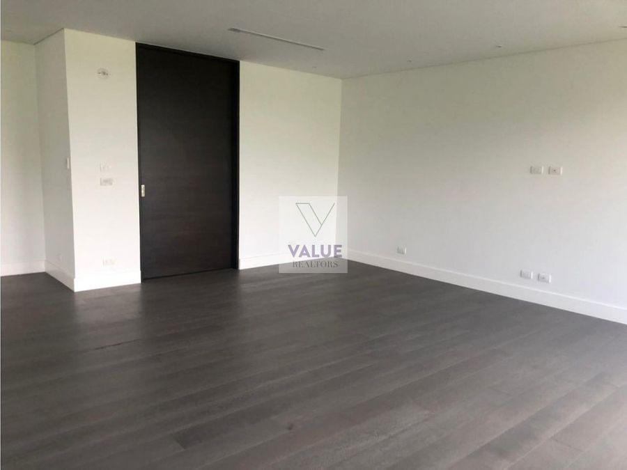 venta penthouse en cayala 406m2