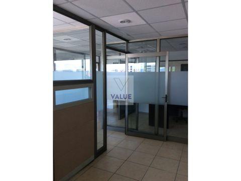 renta oficina en exclusivo edificio z10