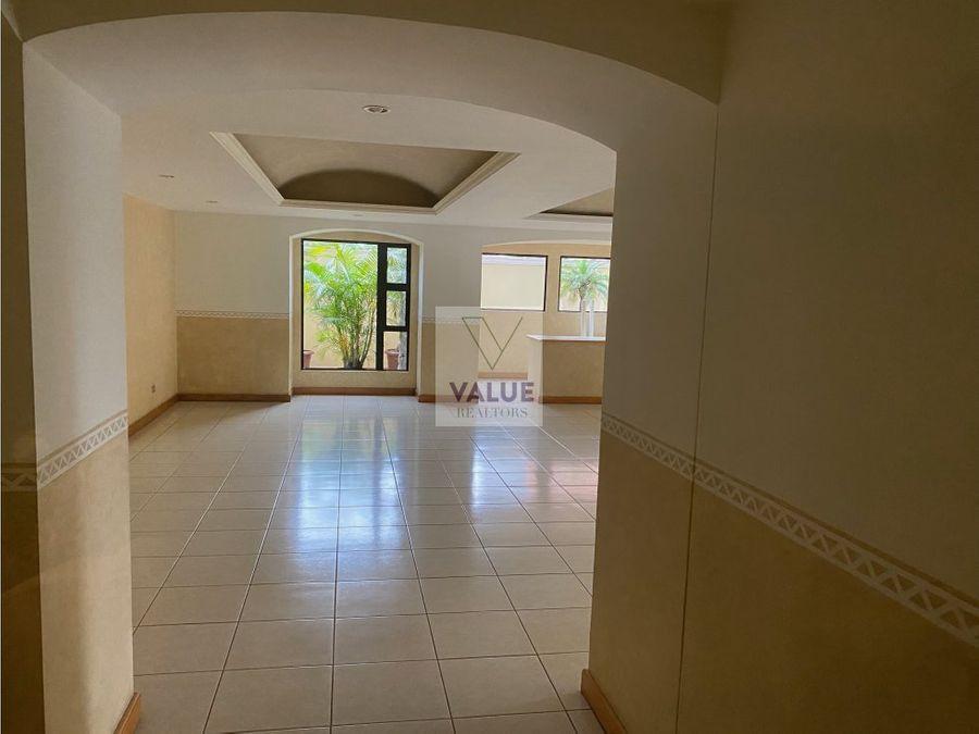 venta apartamento z10 2 dorms 182m2