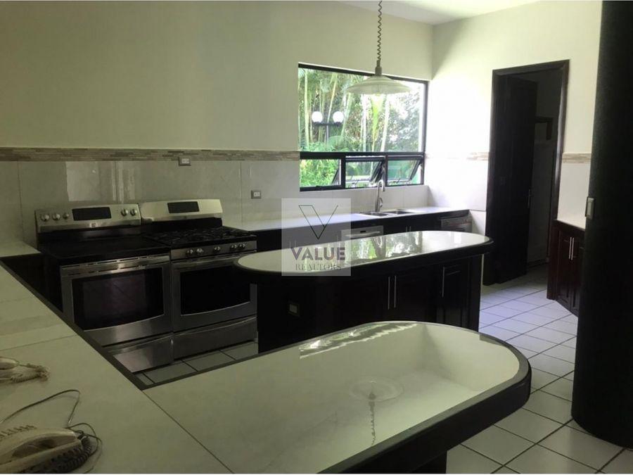 renta casa en oakland 4 dorms 820m2 2500v2 terreno 1