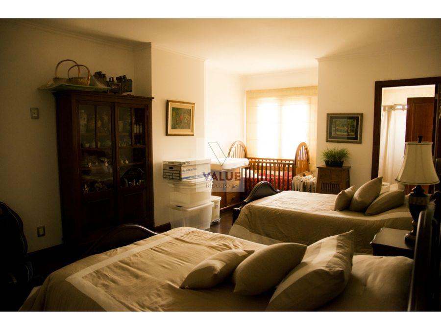 venta exclusivo apto de 308m2 en z14 con 3 dorms y 3 parqueos