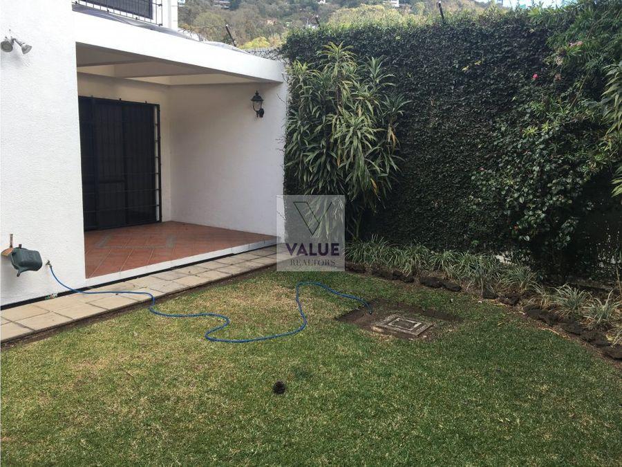 renta casa en exclusivo condominio zona 15