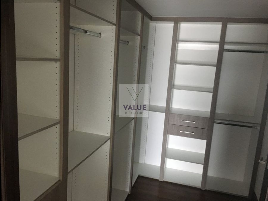 renta apartamento 4 dormitorios en cayala 1