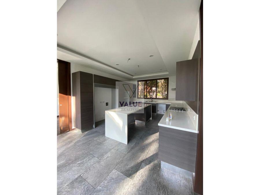 venta moderna casa en cayala 1055m2 4 dorms 1