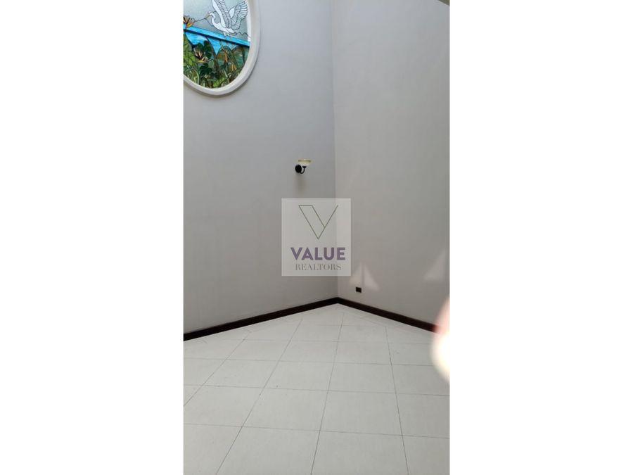 renta casa en z16 en exclusivo condominio 1