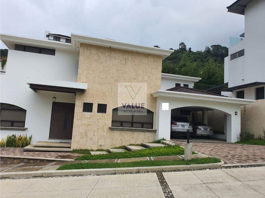 venta casa en z16 en exclusivo condominio