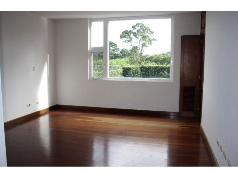venta casa en muxbal en condominio de 4 dorms y amplio jardin