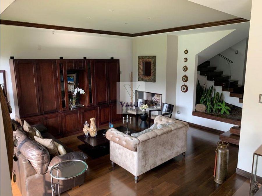 venta y renta lujosa casa en condominio final 20calle z10