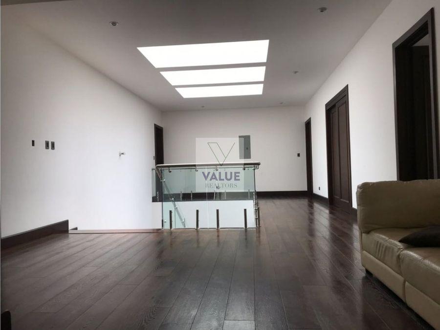 venta casa en sector cayala