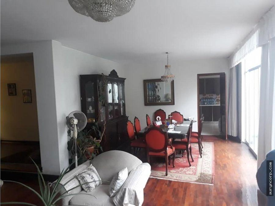 casa de tres pisos en gozzoli san borja