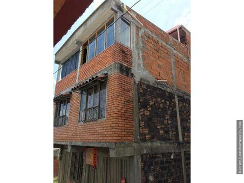 venta de casa 3 niveles independientes montenegro