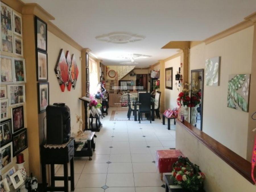 vendo casa en palmira con local comercial barrio centro 4 pisos