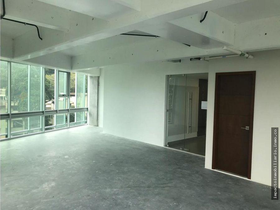 estrene oficina zona 15 en excelente edificio