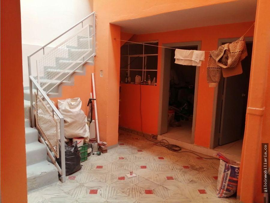 vendo casa bogota quiroga amplia garaje doble 8 alcobas