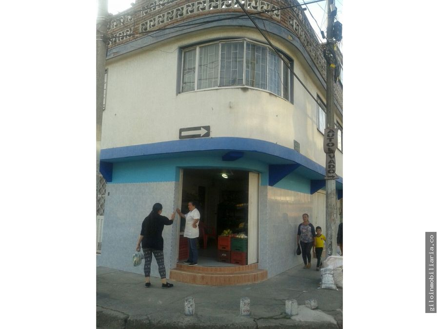 vendo casa comercial en fontibon 2 locales y un apartamento