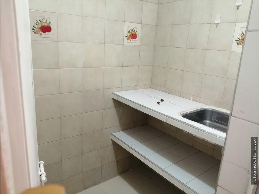 casa fontibon con local y apartamentos rentando