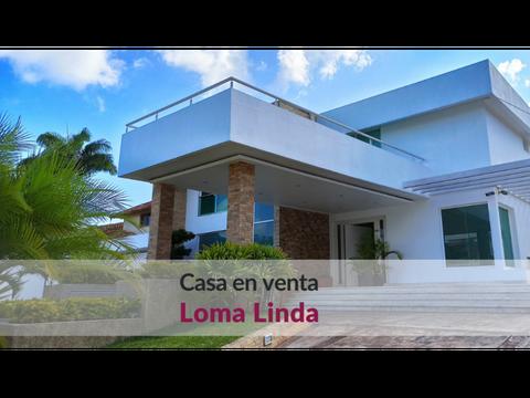 bella y moderna casa ubicada en loma linda con amplias areas sociales