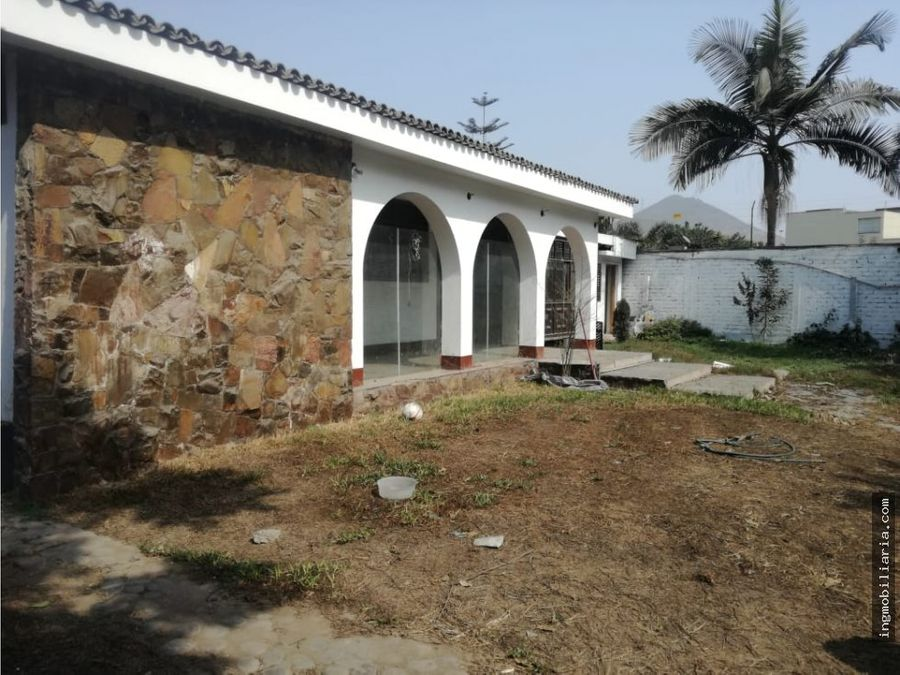 venta de casa como terreno en av el corregidor