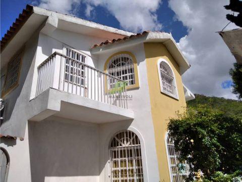 se vende casa en colinas de guataparo