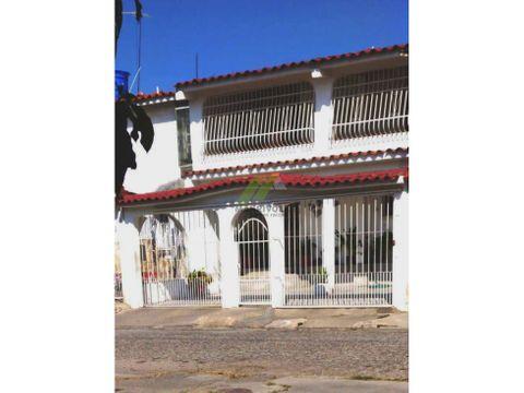 casa de dos niveles en urb bucaral sur valencia edo carabobo