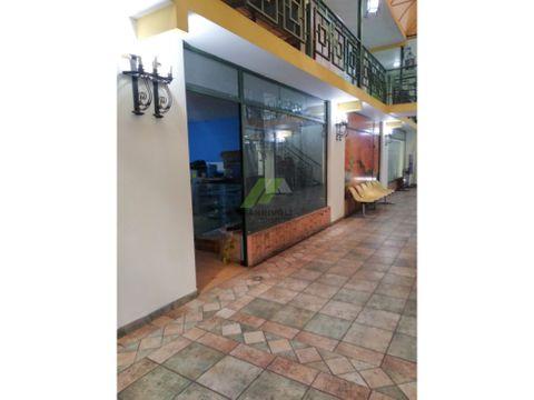 locales comerciales en alquiler en av bolivar valencia