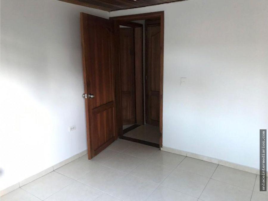 se vende casa con renta sector la enea