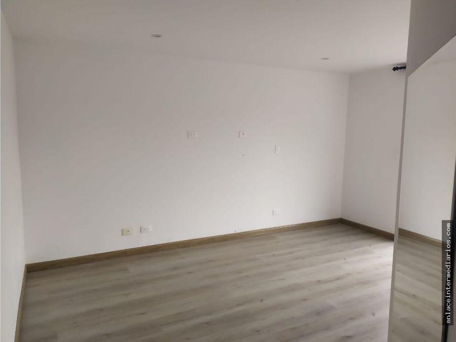 se arrienda apartamentos sector av alberto mendoza