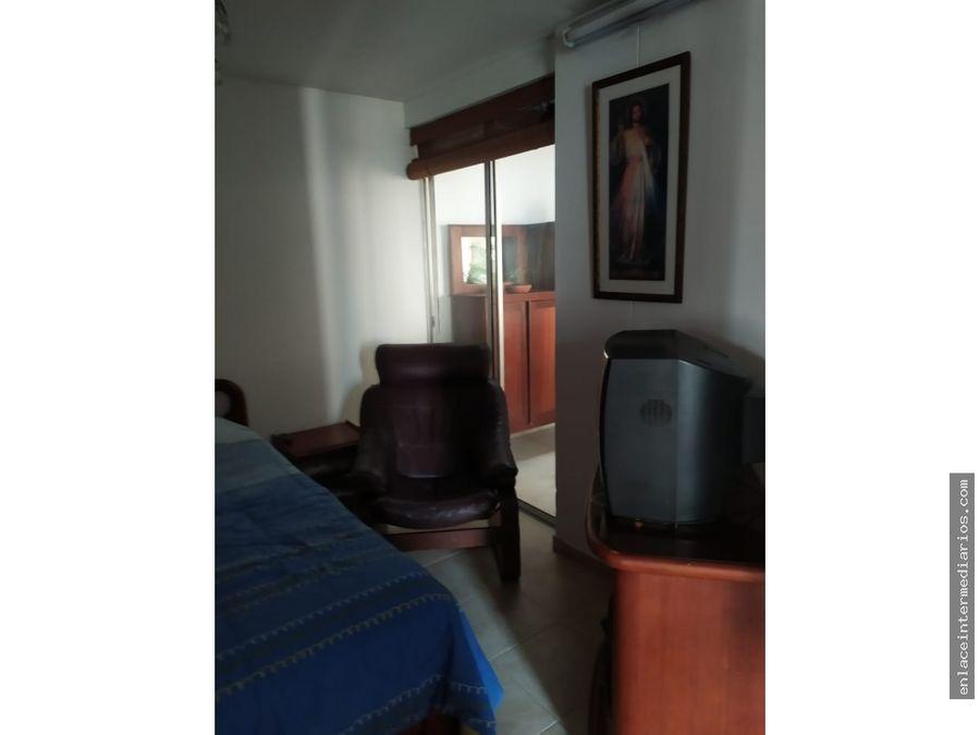 se vende comodo apartamento cerca al col san luis