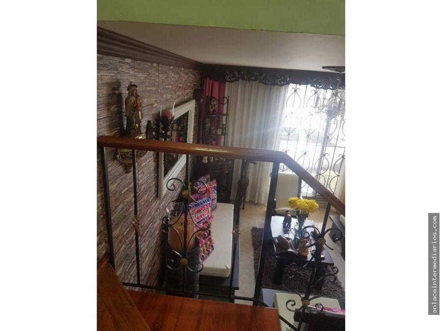 se vende casa sector parque de castilla