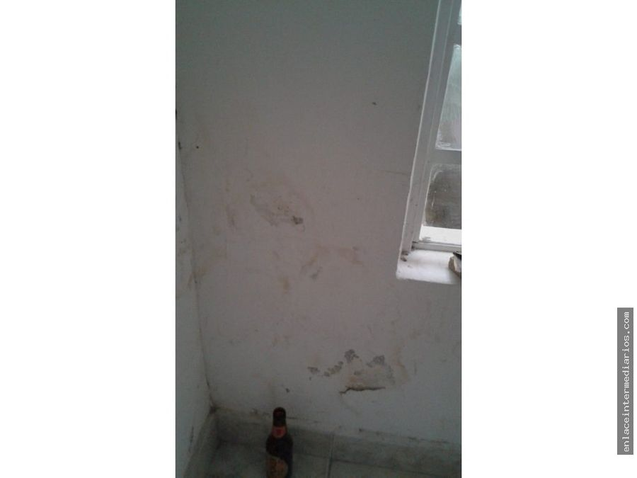 se vende casa sector la enea para remodelar