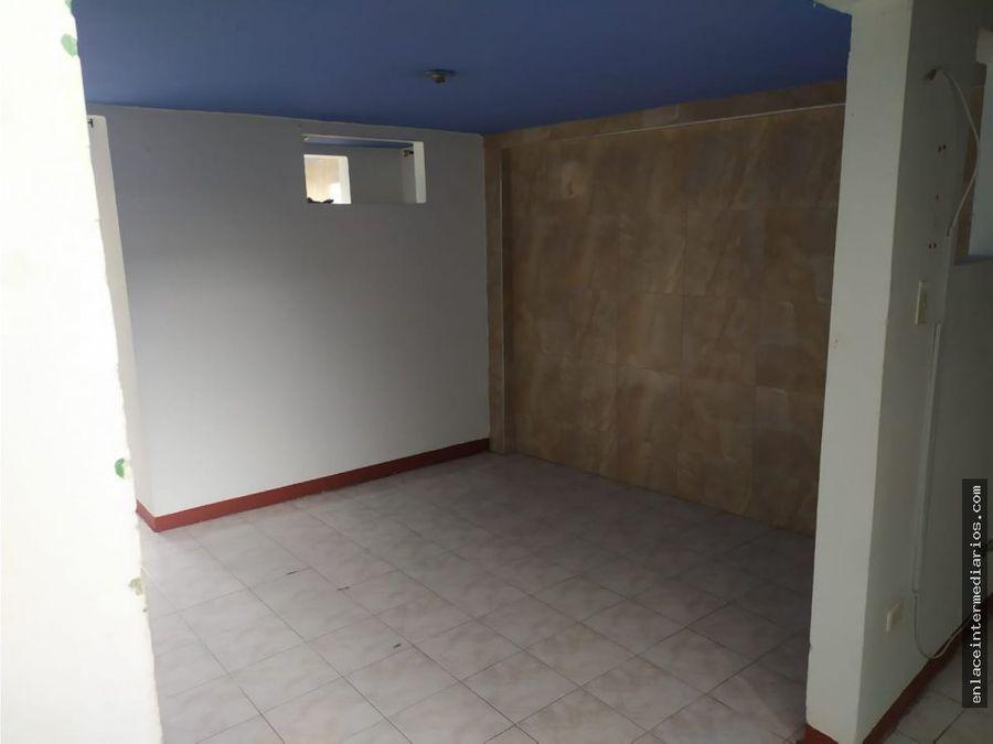 se arrienda apartamento en pio xii