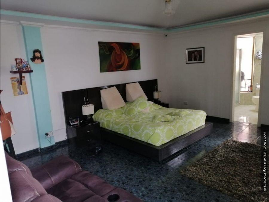 venta de casa en palermo con amplios espacios