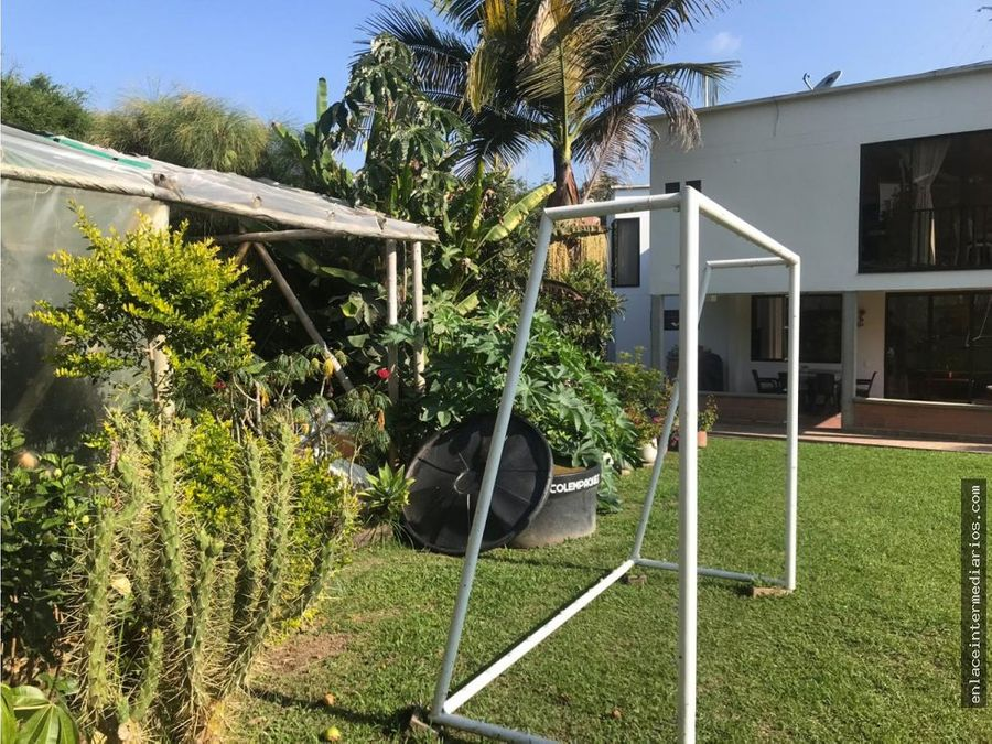 se vende casa sector la florida
