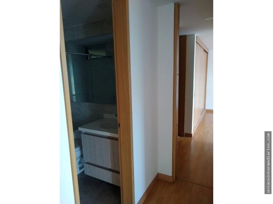 se arrienda apartamento sector av alberto mendoza