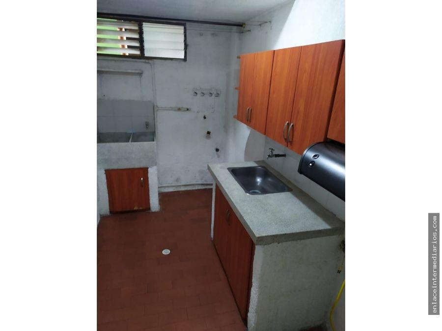 se arrienda apartamento sector alamos