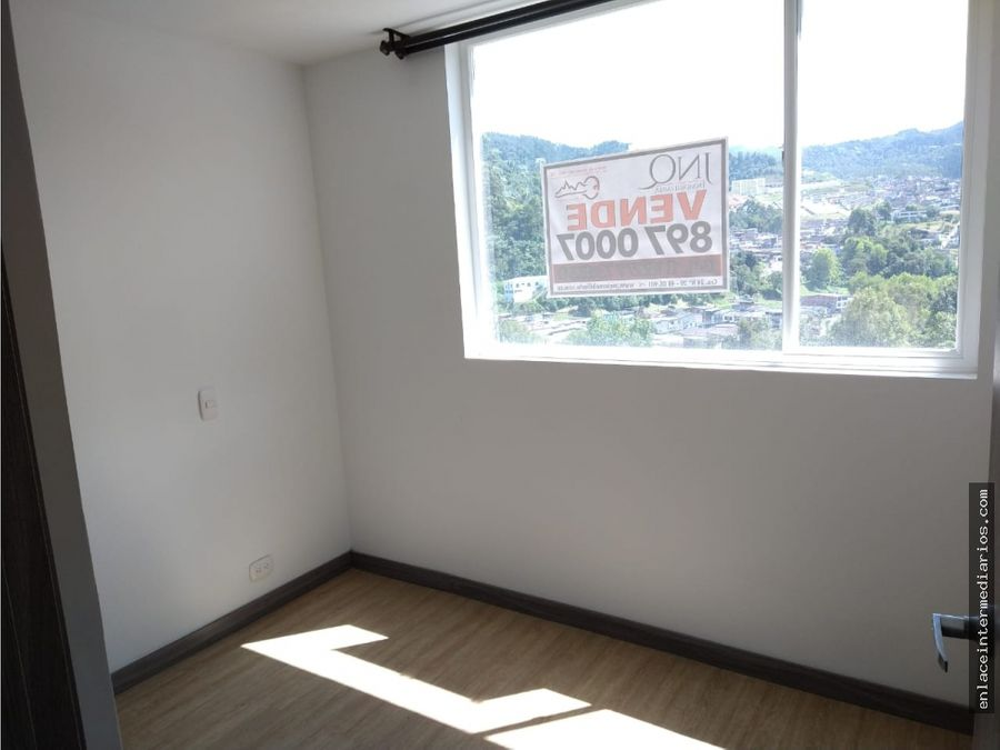 se vende apartamento sector toscana