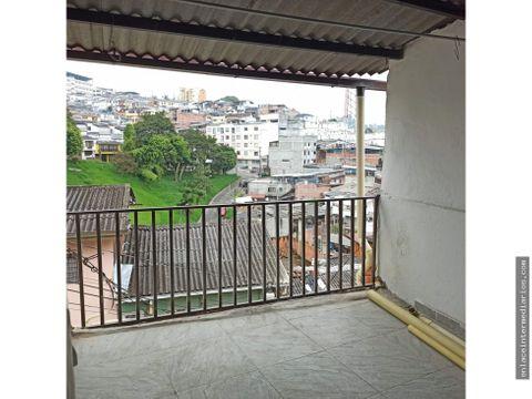se vende casa bien ubicada en el barrio colombia