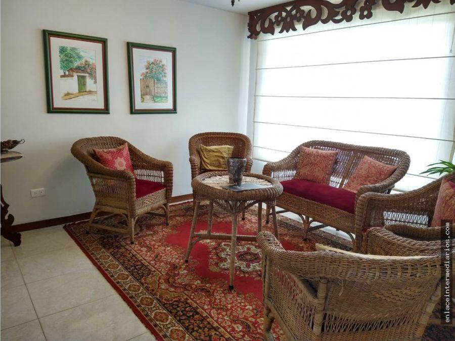 se vende casa sector laureles