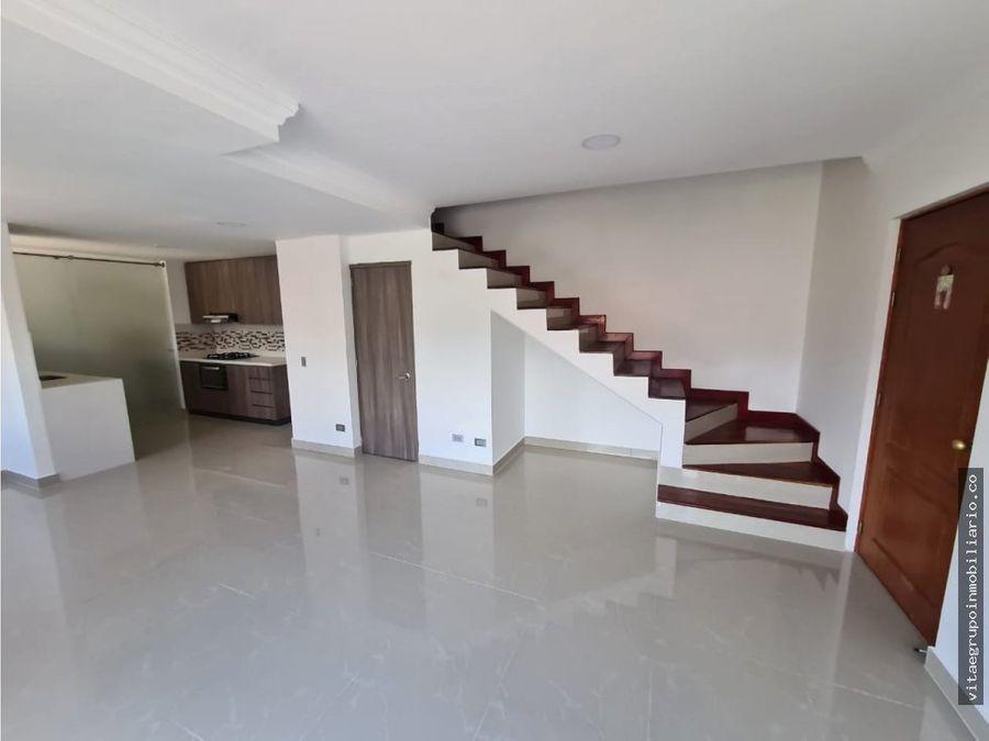venta de apartamento remodelado en loma de los bernal