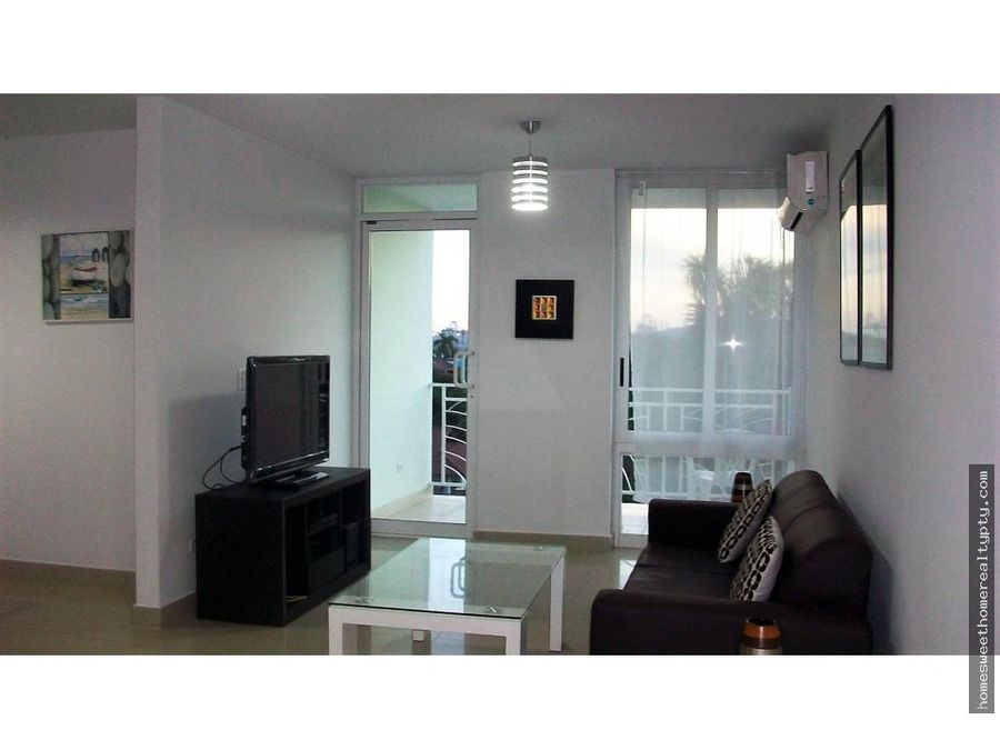 alquilo apartamento amoblado en sun city albrook