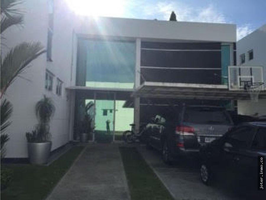vendo hermosa residencia en costa esmeralda