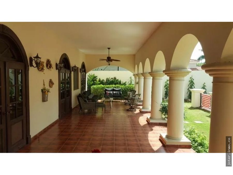 vendo mansion en begonia costa del este