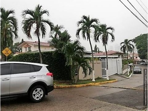 se vende amplia casa en san francisco rr