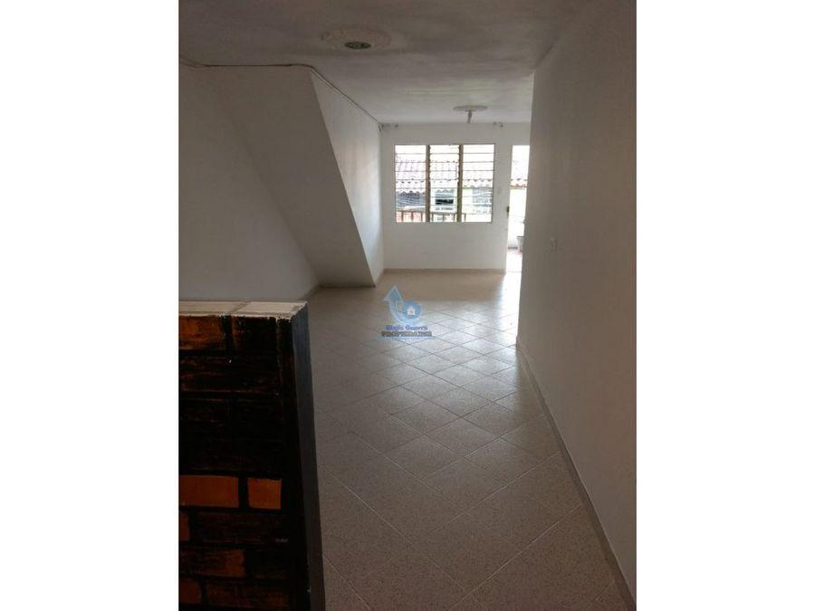 venta casa 3er piso en gratamira con posibilidad de ampliacion