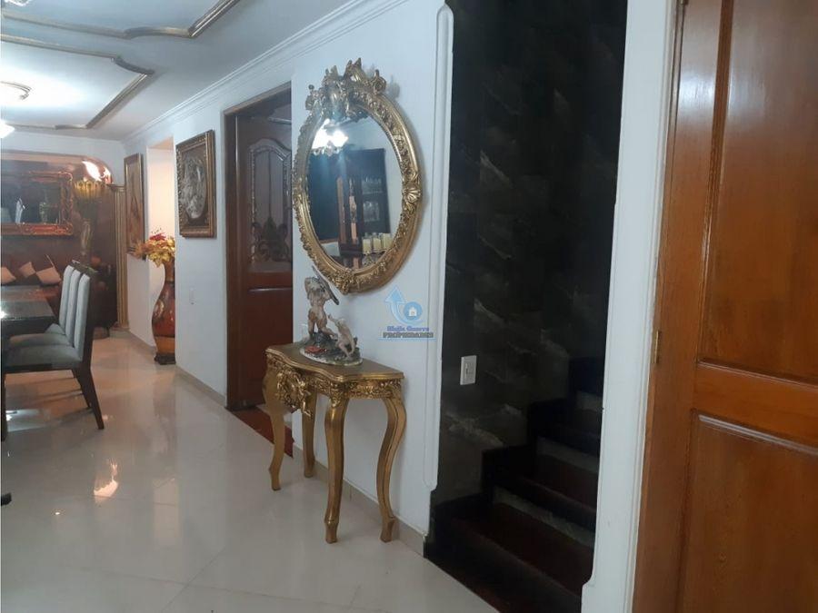 venta casa de lujo en envigado sector villa grande