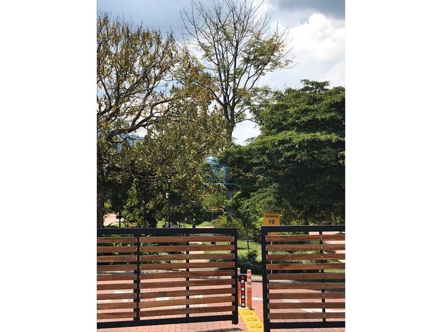 venta casa en la estrella sector suramericana