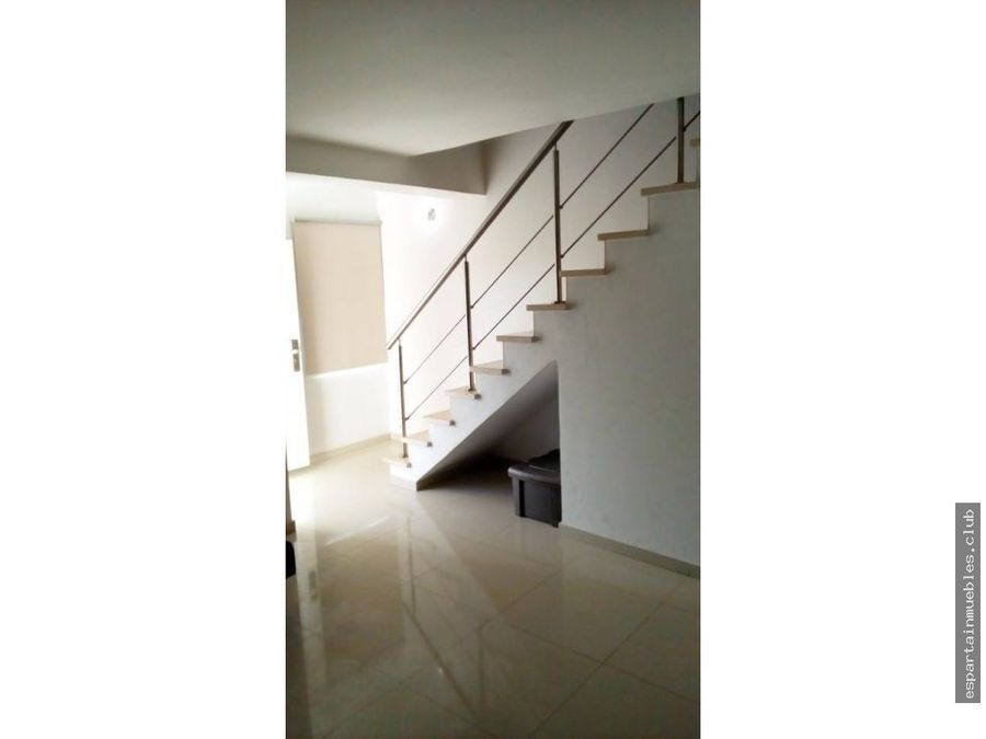 manantial town house los robles venta